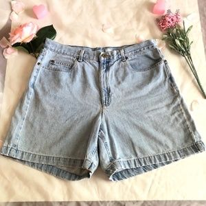 VTG LIGHTWASH HIGH WAISTED JEAN SHORTS